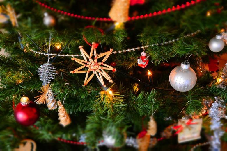 Życzenia świąteczne na Boże Narodzenie - piękne bożonarodzeniowe wierszyki, sentencje i cytaty