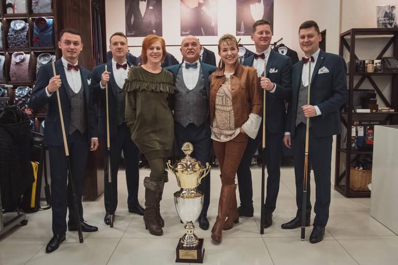 Aktualni mistrzowie Polski w bilard – drużyna Nosanu Kielce, miała bardzo pracowity weekend. Odbyła pierwsze zgrupowanie i pracowała przed obiektywem.