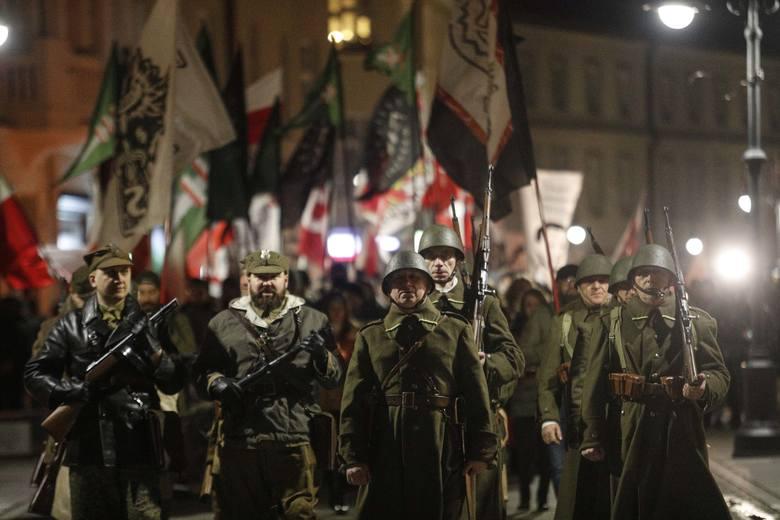Marsz Żołnierzy Wyklętych przeszedł przez centrum Rzeszowa. Narodowy Rzeszów i Młodzież Wszechpolska zorganizowały go w ramach obchodów Narodowego Dnia