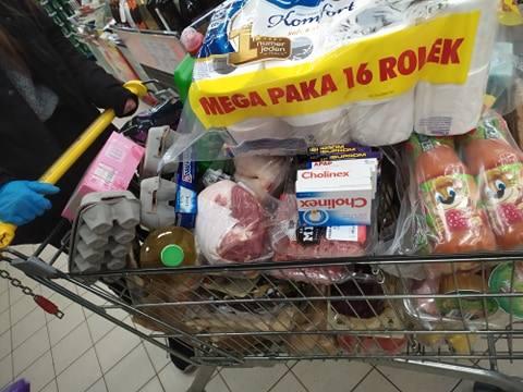 Koronawirus. Ostrów Maz. Miejski Dom Kultury niesie pomoc seniorom i wspiera szpital