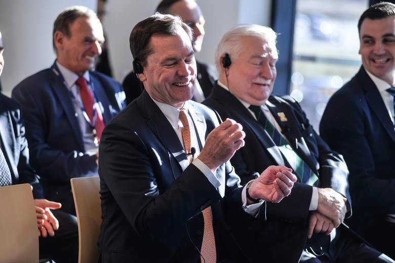 Otwarcie swoją osobą uświetnił prezydent Lech Wałęsa oraz  Joseph Hooley, Prezes State Street Corporation