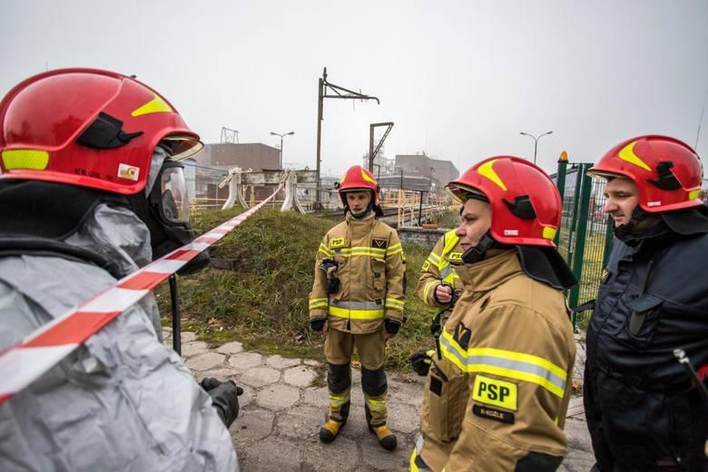 Ćwiczenia strażaków w zakładzie w Kędzierzynie-Koźlu