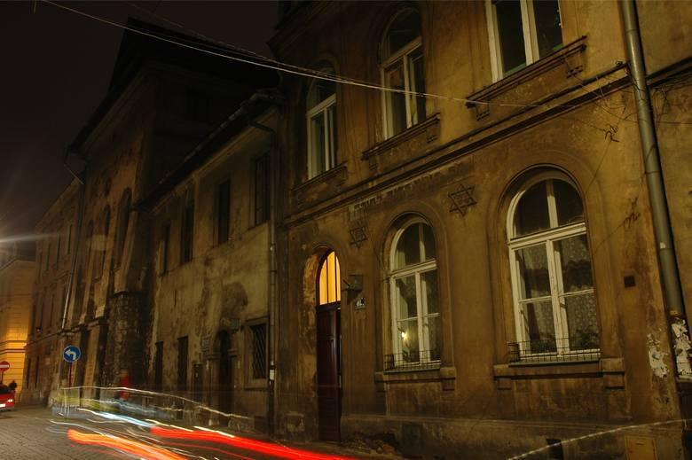 Na krakowskim Kazimierzu (podobnie jak na Rynku Głównym) mieszkańcy zgłosili 15 miejsc, gdzie nielegalnie spotykają się amatorzy mocnych trunków.