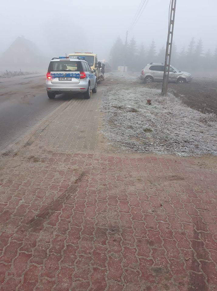 Gniła. Wypadek z udziałem trzech aut osobowych na drodze powiatowej w stronę Krypna [ZDJĘCIA]