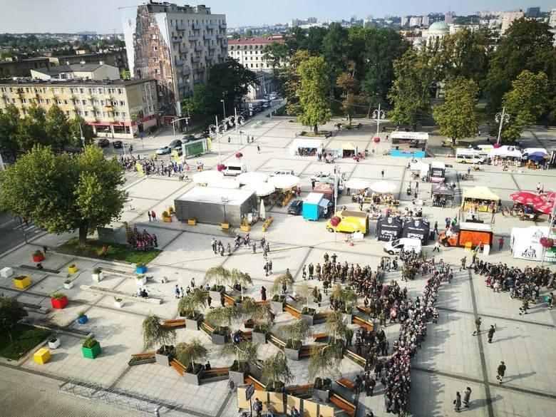 CZĘSTOCHOWAJak zdetronizować rynek, to właśnie w taki sposóbCzęstochowa swój Stary Rynek posiada, ten stracił jednak swoją funkcję na rzecz placu Władysława