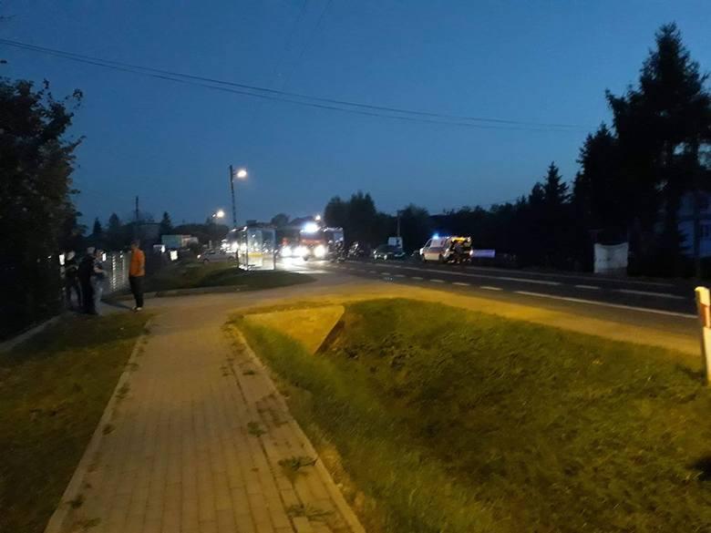 Potrącenie pieszego na DK94. Kierowcy utknęli w korku