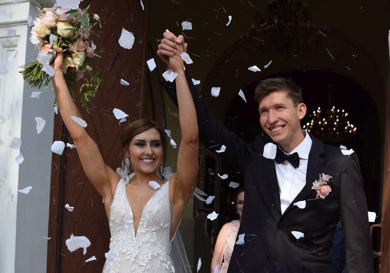 Damian Czykier, płotkarz Podlasia Białystok, wziął ślub. Wybranką wielokrotnego mistrza Polski, jest Aneta Płaza. Ceremonia odbyła się w kościele pod