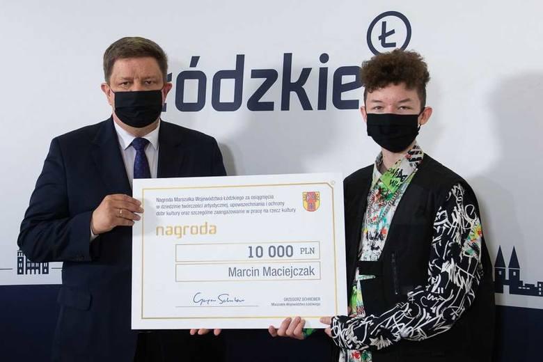 Marszałek województwa łódzkiego nagrodził triumfatora The Voice Kids - ZDJĘCIA