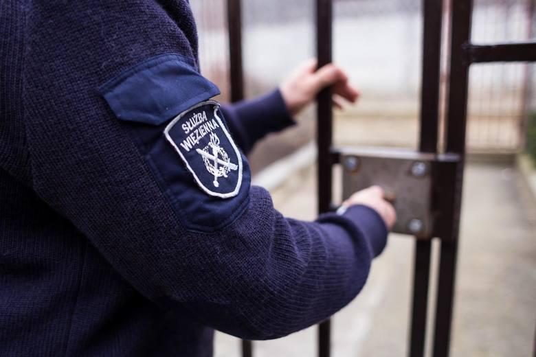 Seks za więziennymi kratami? Osadzonym przywrócono widzenia, ale bez kontaktu fizycznego