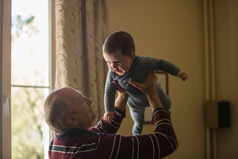 Życzenia na Dzień Babci 21.01.2020. Najpiękniejsze, zabawne wierszyki SMS, KARTKA. Krótkie życzenia dla babci i dziadka [21.01.2020]