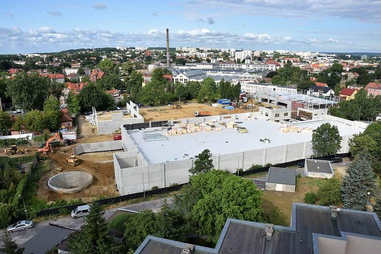 W środę (10 lipca) rusza budowa nowego ronda na ul. Wrocławskiej przy powstającym centrum handlowym na terenie po byłej Estradzie w Zielonej Górze. W
