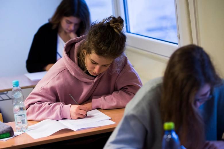 Przedstawiamy arkusze zadań oraz klucz odpowiedzi do próbnego egzaminu gimnazjalnego 2018 z języka polskiego!