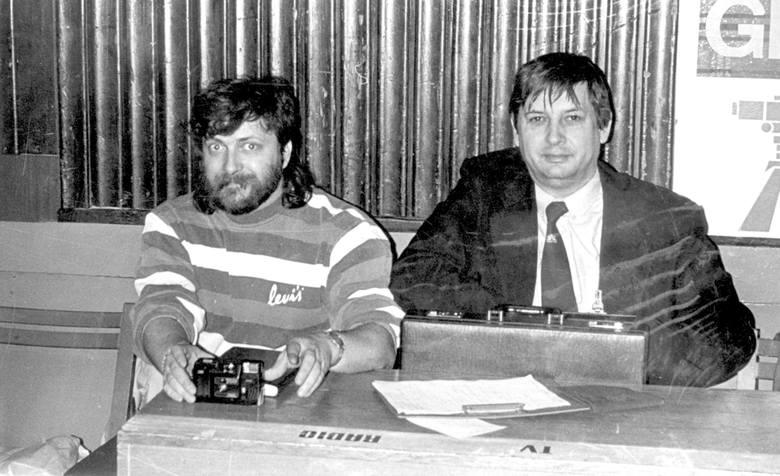 """Marek Fabiszewski z """"Expresu Bydgoskiego"""" (po lewej) też miał już aparat dawno temu."""