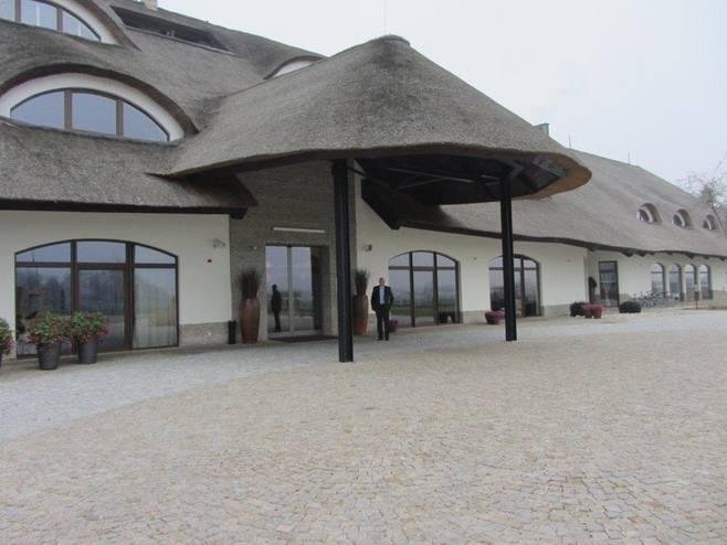 Hotel Remes w Opalenicy powstał na organizowane przez Polskę mistrzostwa Europy w 2012 roku. Został wybrany jednym z najlepszych ośrodków treningowych