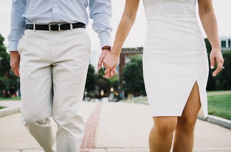 Podobno aż 70% par w Polsce kłóci się o pieniądze. Dlaczego kłótnie o pieniądze pojawiają się dopiero po ślubie? W początkowej fazie związku finanse