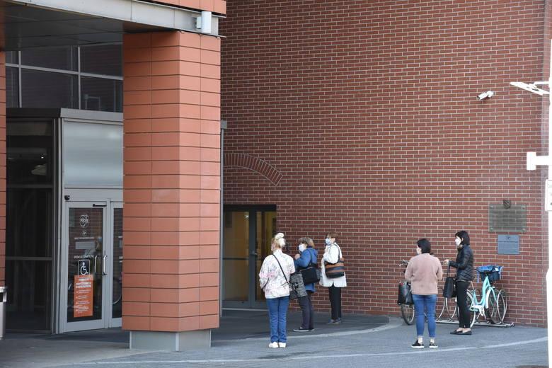 Galeria Focus w Rybniku otwarta po czasie kwarantanny.Zobacz kolejne zdjęcia. Przesuwaj zdjęcia w prawo - naciśnij strzałkę lub przycisk NASTĘPNE