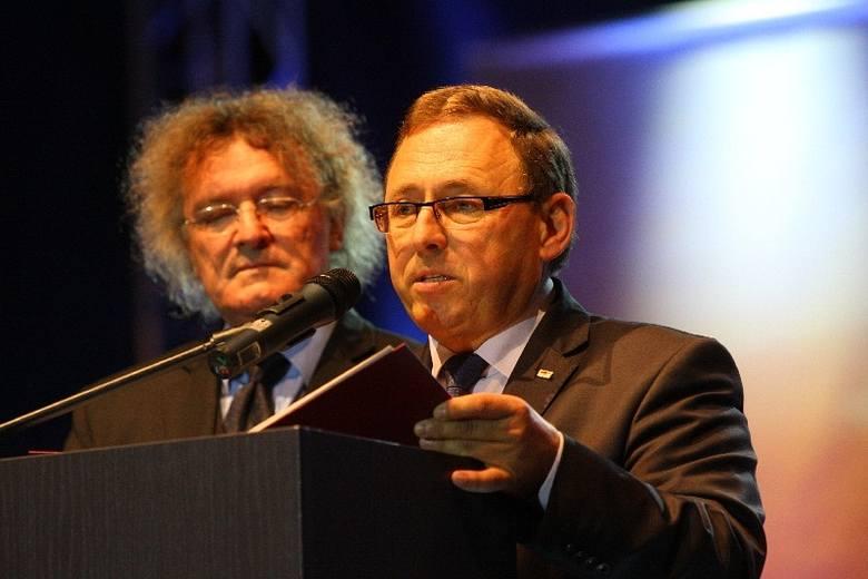 Zanim rozbrzmiała muzyka do zebranych przemówili lider VdG Bernard Gaida i przedstawiciele rządów – polskiego, Włodzimierz Karpiński i niemieckiego,