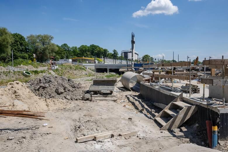 Kraków. Trwa walka z czasem na budowie Trasy Łagiewnickiej. Czy zdążą do końca 2021 roku? [ZDJĘCIA]