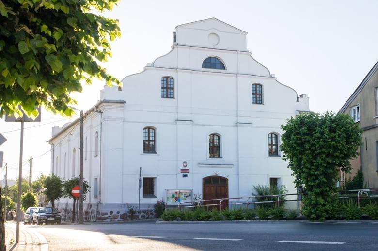 Dawna synagoga w Lubrańcu obecnie siedziba Lubranieckiego Centrum Dziedzictwa Kulturowego - wiek XIX