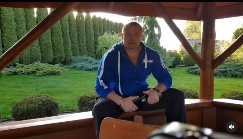 Oczywiście, w domu Mariusza Pudzianowskiego nie może brakować miejsca do ćwiczeń. Siłacz ma dyspozycji świetnie wyposażoną prywatną siłownię, a w siedzibie