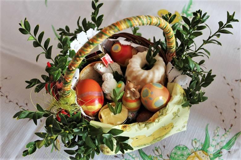 W koszyczku ze święconką nie może zabraknąć chleba, soli i baranka. Chleb we wszystkich kulturach jest pokarmem zapewniającym przetrwanie. Dla chrześcijan