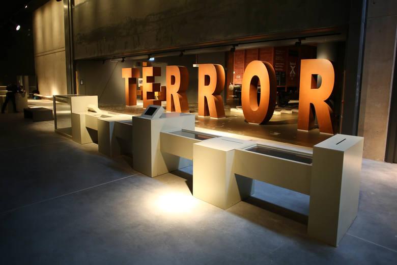 Nie ma zawieszenia broni w wojnie o Muzeum II Wojny
