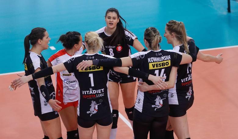 3. ŁKS Commercecon Łódź14 wygranych w 22 meczach. Bilans setów 51:33, bilans małych punktów: 1896:1762.