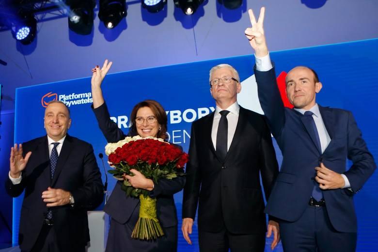Pod koniec ubiegłego roku w wewnętrznych prawyborach Jacek Jaśkowiak dotkliwą porażkę. Zdobył zaledwie 125 z 470 głosów delegatów podczas Konwencji Krajowej PO. Wtedy zdecydowanie wygrała Małgorzata Kidawa-Błońska.