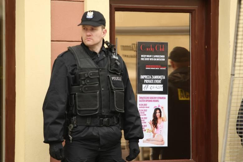 """Tancerka z nocnego klubu """"Candy"""" przy wrocławskim Rynku upiła klienta na śmierć. Podała mu w krótkim czasie osiem kieliszków alkoholu."""