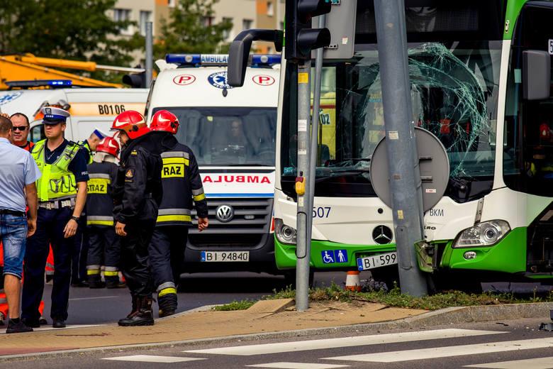 W poniedziałek około godziny 9.30 doszło do wypadku na skrzyżowaniu ulic Wyszyńskiego z Sosnowskiego.