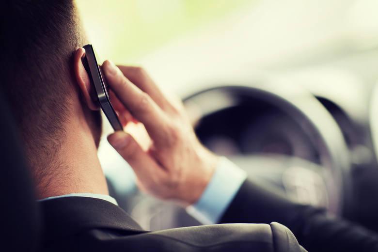 Prowadzisz? Nie rozmawiaj przez telefon!