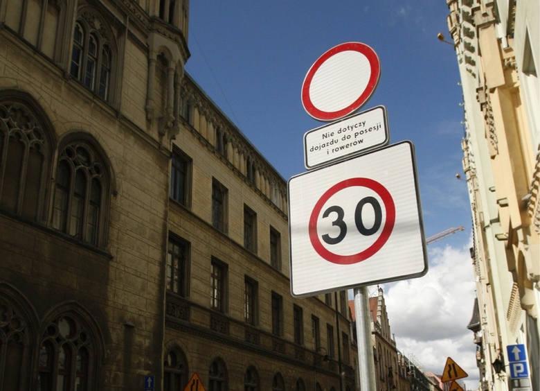 Wrocław szykuje się na zwiększony ruch po pandemii. Władze miasta przygotowały pakiet udogodnień dla pieszych, rowerzystów i pasażerów komunikacji miejskiej.