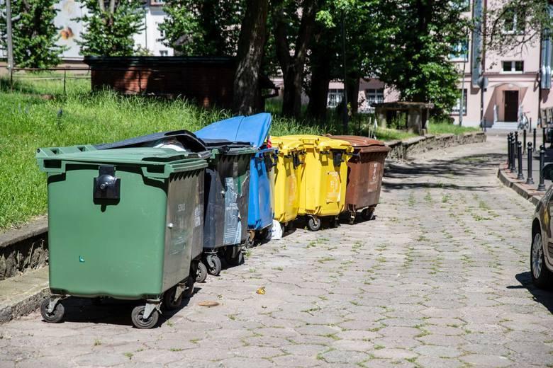 W wielu miastach regionu trwa dyskusja nad zmianami przyjętych wcześniej systemów rozliczeń za odbiór odpadów.