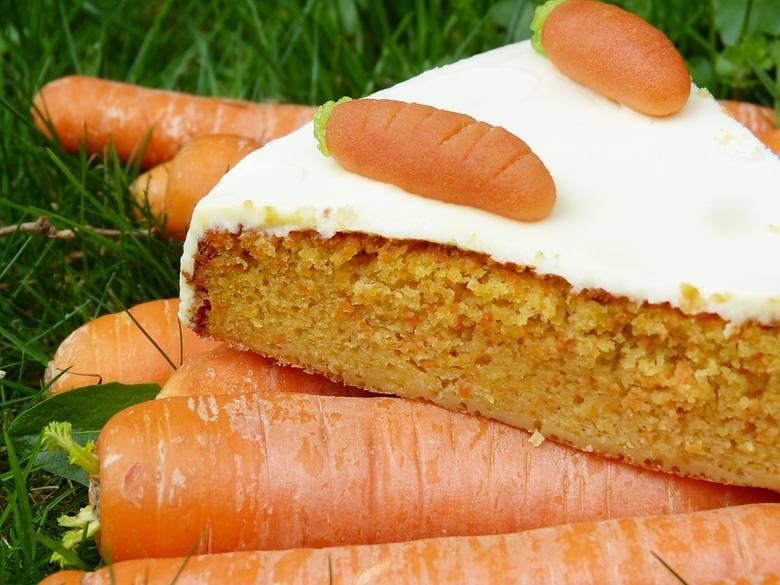 Ciasto marchewkowe - przepisy na pyszne, zdrowe i nietuczące ciasto. Bądź FIT! [licz kalorie] Pomysł nie tylko na Tłusty Czwartek