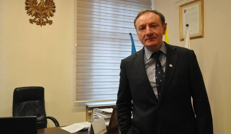 Burmistrz Olesna: - Szykujemy działkę dla inwestorów. Dla Neapco równieżSylwester Lewicki, burmistrz Olesna: - Zabiegamy również o to, żeby samorządy