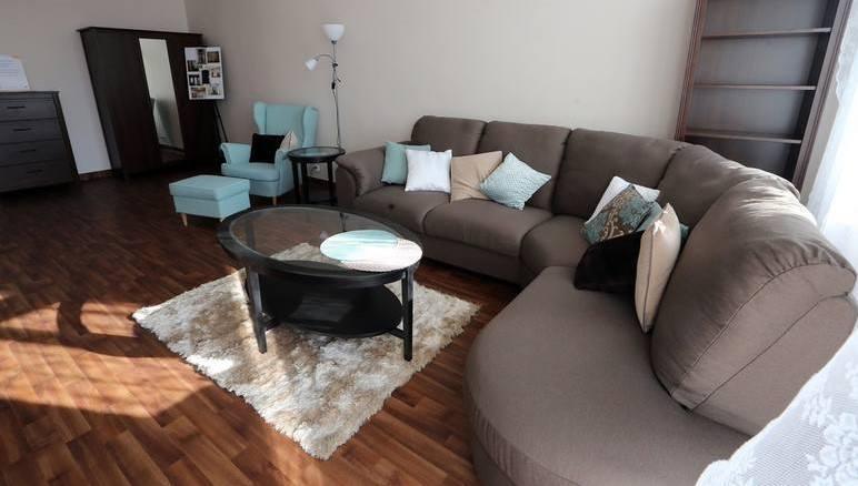 Kawalerki to mieszkania idealne dla osób poszukujących tymczasowego lokum. Wykupienie takiego mieszkania to wydatek rzędu kilkuset tysięcy złotych. Ile