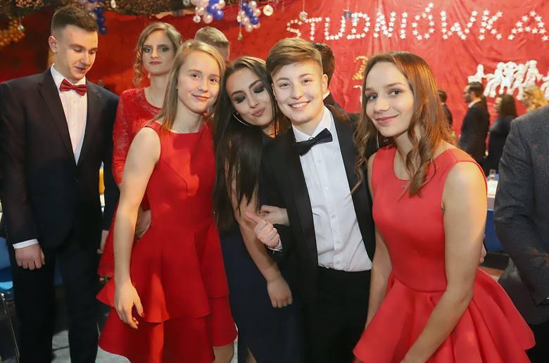 Studniówki 2019. Studniówka Szkoły Mistrzostwa Sportowego w Łodzi [ZDJĘCIA]