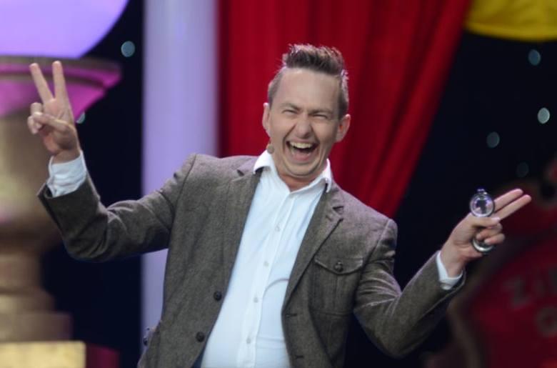 Michał Pałubski znany z kabaretowej grupy Formacja Chatelet przeszedł operację usunięcia guza jądra. Poinformował o tym w mediach społecznościowych.40-letni