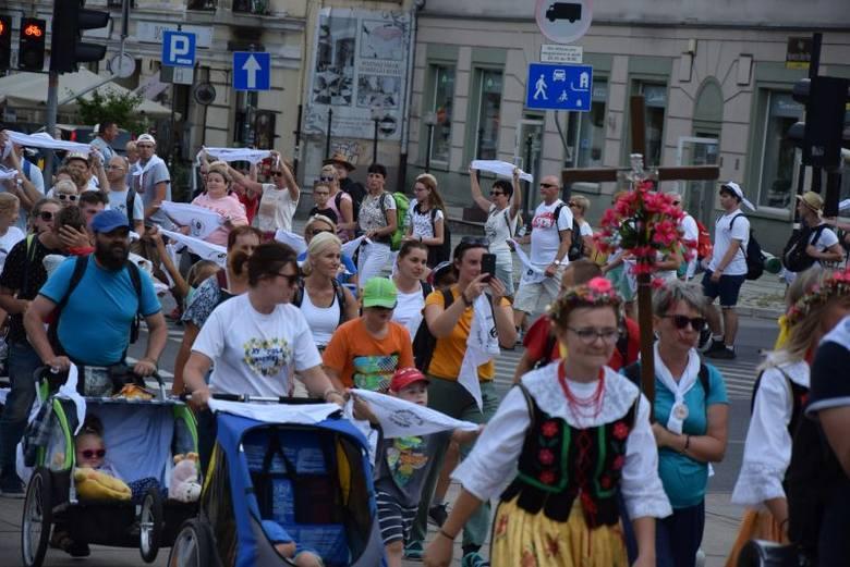 Pielgrzymi z Rybnika i Archidiecezji Katowickiej dotarli na Jasną Górę