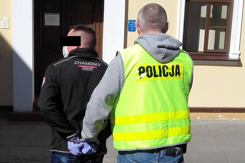 Fordońscy policjanci zatrzymali 41-latka, który wczoraj zbiegł z miejsca wypadku drogowego. Mężczyzna był sprawcą zdarzenia. Jego pasażerka w stanie
