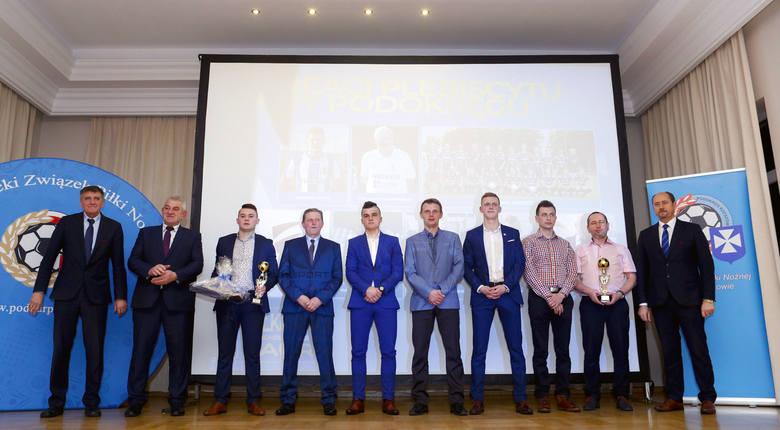 """Osiem nagród przyznano w plebiscycie """"Piłkarskie Laury Podokręgu Rzeszów"""", organizowanym dla klubów od 5 ligi w dół przez podokręg rzeszowski Podkarpackiego"""