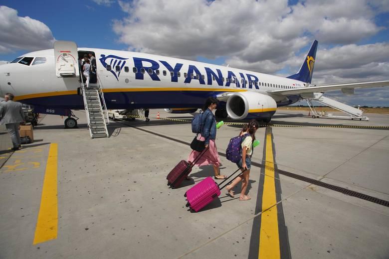 - Od lipca startują loty Ryanair z Bydgoszczy - poinformował Port Lotniczy w Bydgoszczy. Ryanair wznawia loty z Polski od lipca. W całej Polsce otworzy