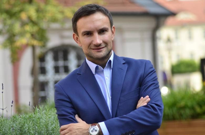 W przyszłym tygodniu ma się odbyć konwencja wyborcza lewicy, po której swój program wyborczy ma zacząć ujawniać wiceprezydent Tomasz Lewandowski. Będzie on wspólnym kandydatem lewicy na prezydenta. – Zależy mi na społecznym Poznaniu i mieście, które nie pozostawi mieszkańców samych sobie w...