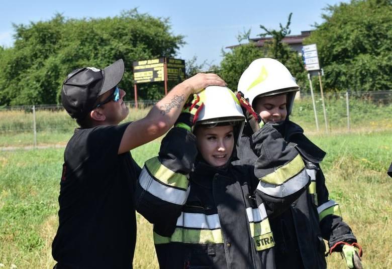 Studenci pielęgniarstwa Państwowej Wyższej Szkoły Zawodowej w Oświęcimiu ćwiczyli z ratownikami medycznymi i strażakami [ZDJĘCIA]
