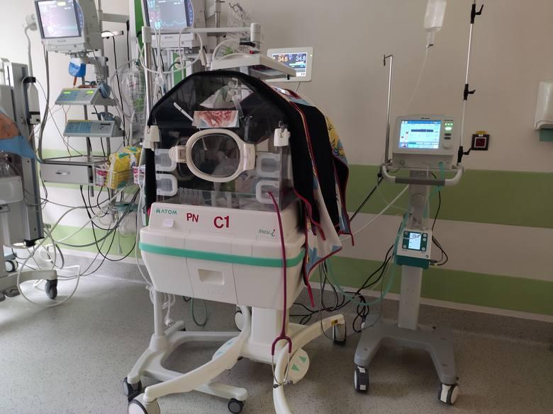 Pododdział Patologii Noworodków - inkubator, respirator, lampa do fototerapii