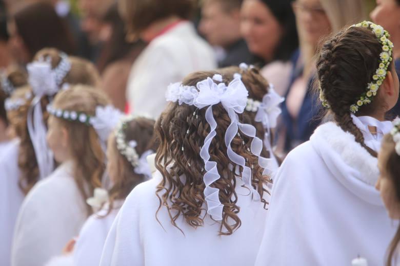 Zobaczcie, jakie stawki dajemy aktualnie dzieciom w ramach prezentu na komunię świętą. Szczegóły na kolejnych zdjęciach >>>