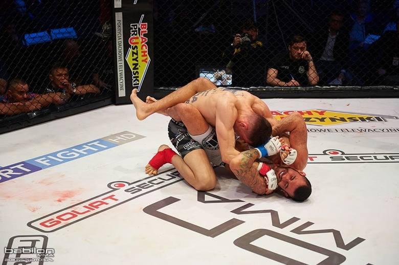Podczas piątkowej gali Babilon MMA 7 w Żyrardowie pochodzący z Międzyrzecza Kamil Oniszczuk zdemolował Brazylijczyka Guilherme Cadenę Martinesa. To siódme