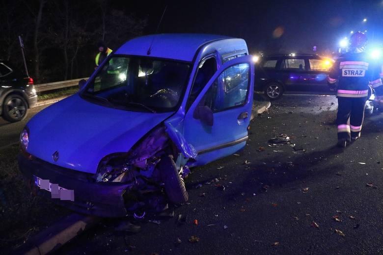Poważny wypadek na wylotówce z Wrocławia. Śmigłowiec LPR w akcji