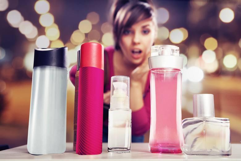Organizacja ochrony konsumentów UFC Que Choisir opublikowała listę blisko 400 znanych marek, których kosmetyki mogą zawierać szkodliwe substancje.  W
