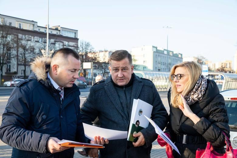Radni PiS i Młodzież Wszechpolska apelują do prezydenta Białegostoku o wycofanie się z gigantycznych podwyżek cen biletów komunikacji